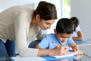 enseñar a escribir a un niño
