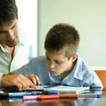 Como ayudar a su hijo a memorizar sus clases