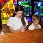 Cómo hablar de religión a los niños: ¿debemos transmitir nuestras creencias religiosas a los hijos?