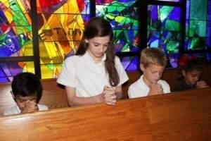 ¿Debemos transmitir nuestras creencias religiosas a los hijos?