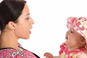 Cómo enseñar a hablar a un bebé